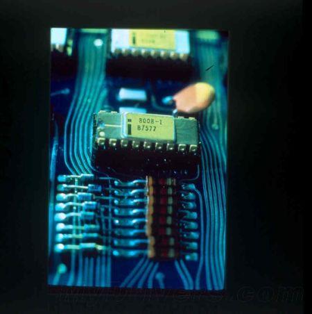 8008处理器:0.8MHz,10微米